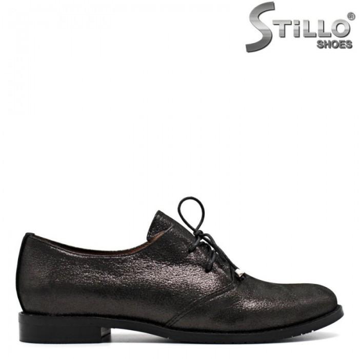 Дамски обувки от естествена кожа с връзки на нисък ток - 29621