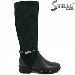 29606 - Дамски ботуши от естествена зелена кожа и велур на нисък ток