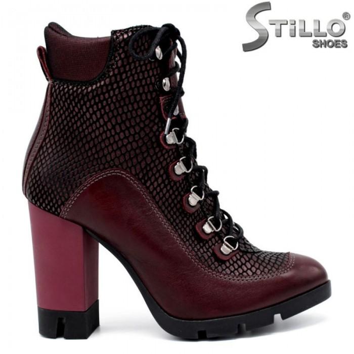 f7a392c9195 Stillo магазини за обувки, Кожени дамски боти на ток и платформа в ...