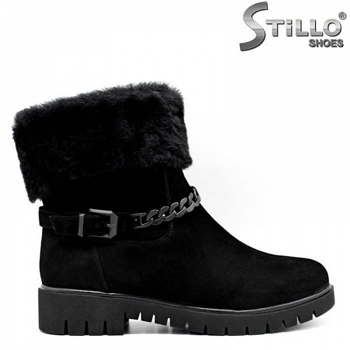 c19bda8d056 Stillo магазини за обувки, Велурени дамски боти с пухен маншет - 29794