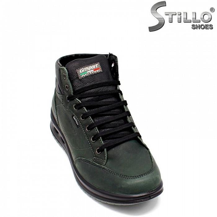 Мъжки туристически обувки в зелено и черно - 29845