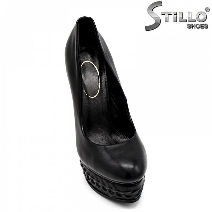 Стилни дамски обувки на платформа и висок ток - 30078
