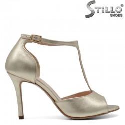 Златисти сандали от естествена кожа - 30296