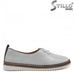 Сребърни спортно-елегантни равни обувки- 30323