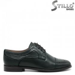 Обувки от тъмнозелена  кожа с   швейцарска перфорация  - 30448