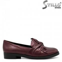 Обувки на нисък ток в цвят бордо - 30479