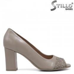 Дамски бежови обувки с отворени пръсти- 30497