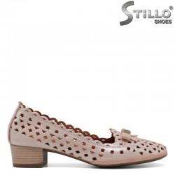 Дамски обувки с перфорация на нисък ток  - 30705