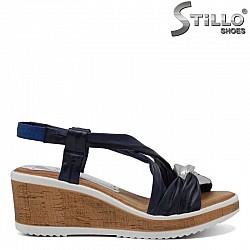 Сини кожени сандали на платформа - 30761