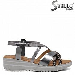 Комфортни сребърни сандали с каишки - 30763