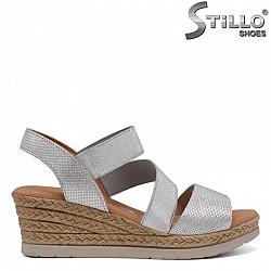 Кожени дамски сандали на платформа - 30870