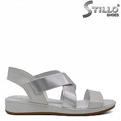 Дамски сандали от естествена кожа с два ластика - 30879