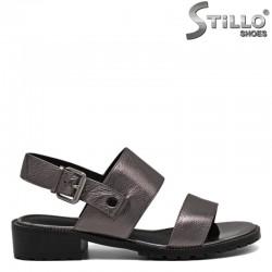 Бронзови кожени сандали на нисък ток - 30925