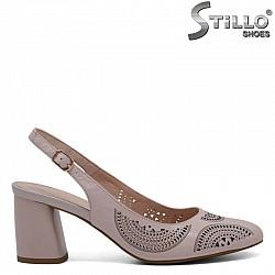 Бледорозови кожени  сандали с лазерна перфорация - 30930