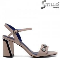 Розови кожени сандали с перли и рапиди на висок ток  - 31050