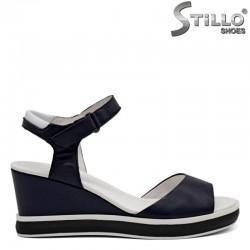Сини ежедневни кожени сандали на платформа - 31059