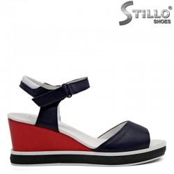 Ежедневни сандали от естествена кожа на платформа - 31060
