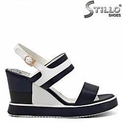 Дамски сандали на платформа - 31099
