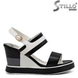 Ежедневни сандали на платформа - 31101