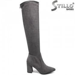 Дамски чизми от сив велур на широк ток - 30021