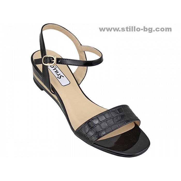 Арт. 24656 - Дамски сандали от черен лак със златна лента