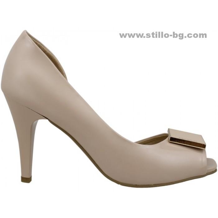 24332 - Елегантни дамски обувки с висок ток от бежов лак